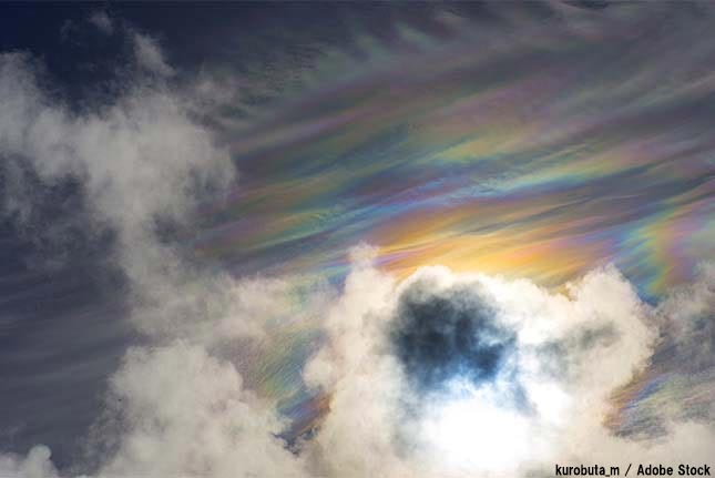 彩雲とは?見れたら縁起の良い雲はどのような原理で発生するのか