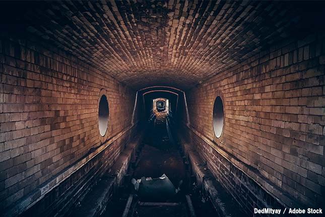 【恐怖】ファットバーグとは?ロンドンの下水道に潜む油脂の塊
