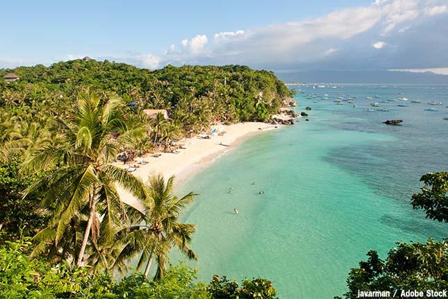 美しい海が汚水溜めに?フィリピンのボラカイ島で起こった環境問題