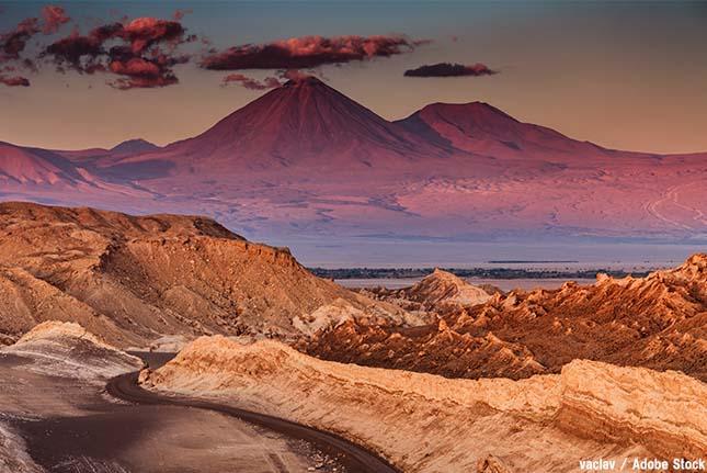 アタカマ砂漠とは?世界一乾燥した砂漠で幻想的なお花畑が咲く原因