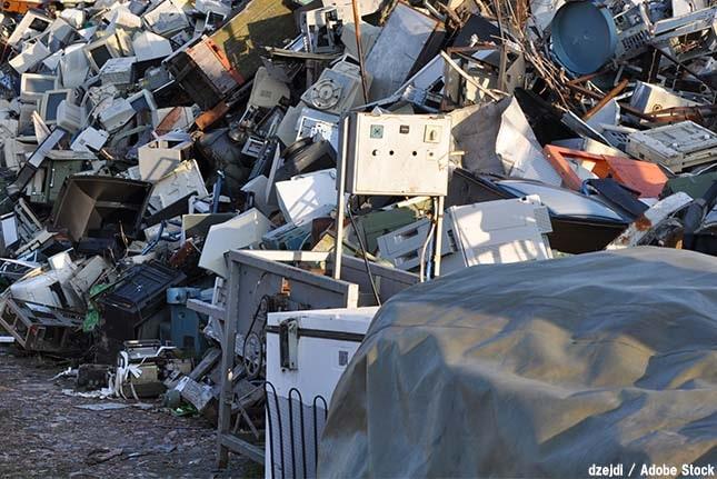 深刻な電子ゴミによる環境問題!リサイクルされるのは2割未満?