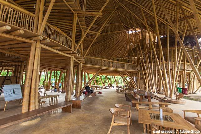 竹の建築物がバリ島に!学校や工場も環境に優しいサステナブルな素材を