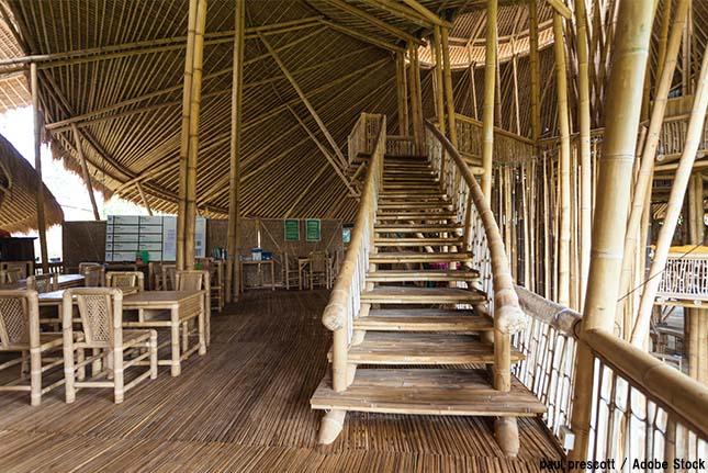 竹で建築されたバリの学校1