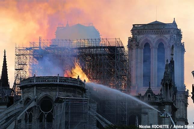 ノートルダム大聖堂で鉛汚染が?原因や修復問題など火災が残した傷跡