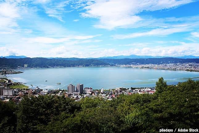 霧ヶ峰のおすすめ観光スポット「諏訪湖と諏訪大社」