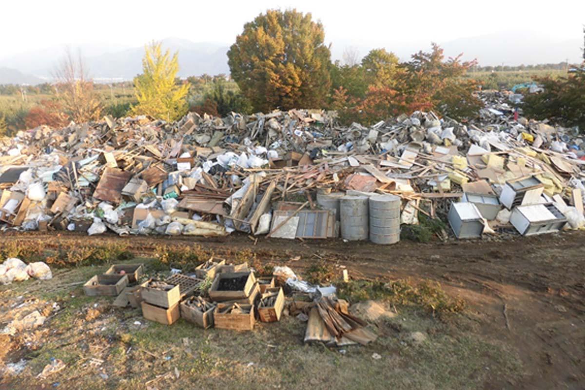 処理はどうする?被災地の長野市に溢れる大量の災害廃棄物