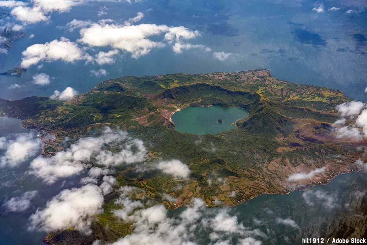フィリピンのタール火山が噴火!地震や農作物への影響は?