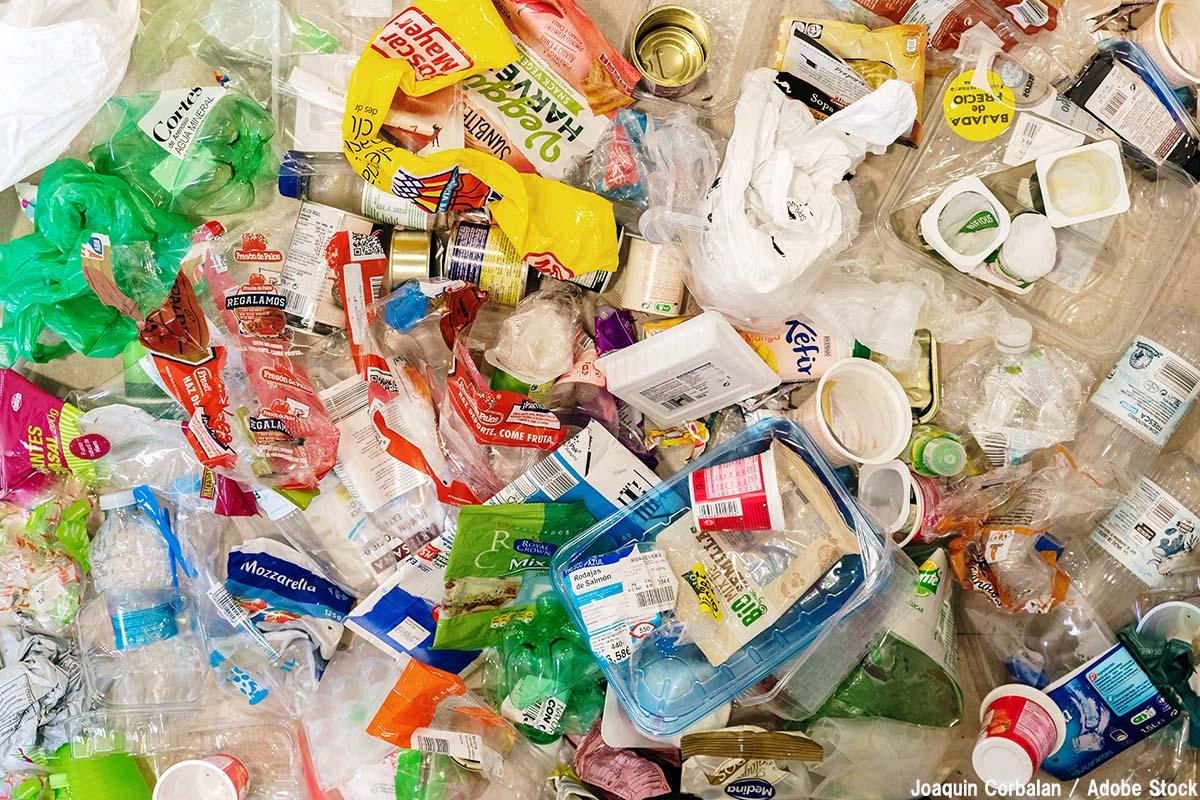【海外】プラスチック規制の厳しい国は?罰金や懲役による対策