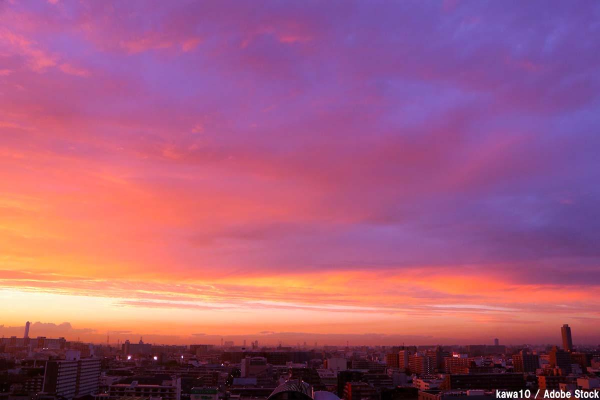 マジックアワーとは?空が魔法の色に染まる仕組みをご紹介