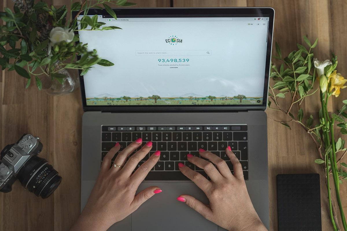 検索するだけで植樹ができる検索エンジン「ECOSIA (エコシア)」