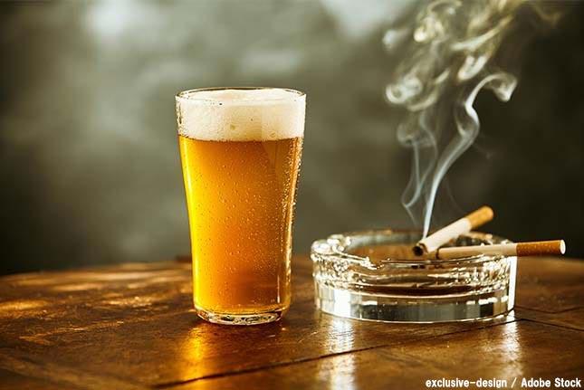 お酒とタバコは控えて節約